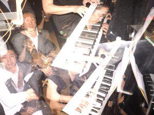 『Na-Ni-Ka 2』糸崎公朗によるリアルなライブ写真